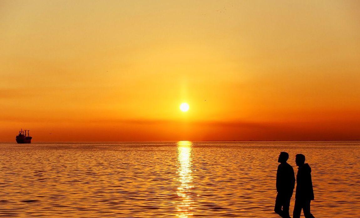 A Golden Golden Sky Thermaikos Paralia Sotnation Thessaloniki Skg Sky Sunset Orange Walking Walking Around The City  Friends