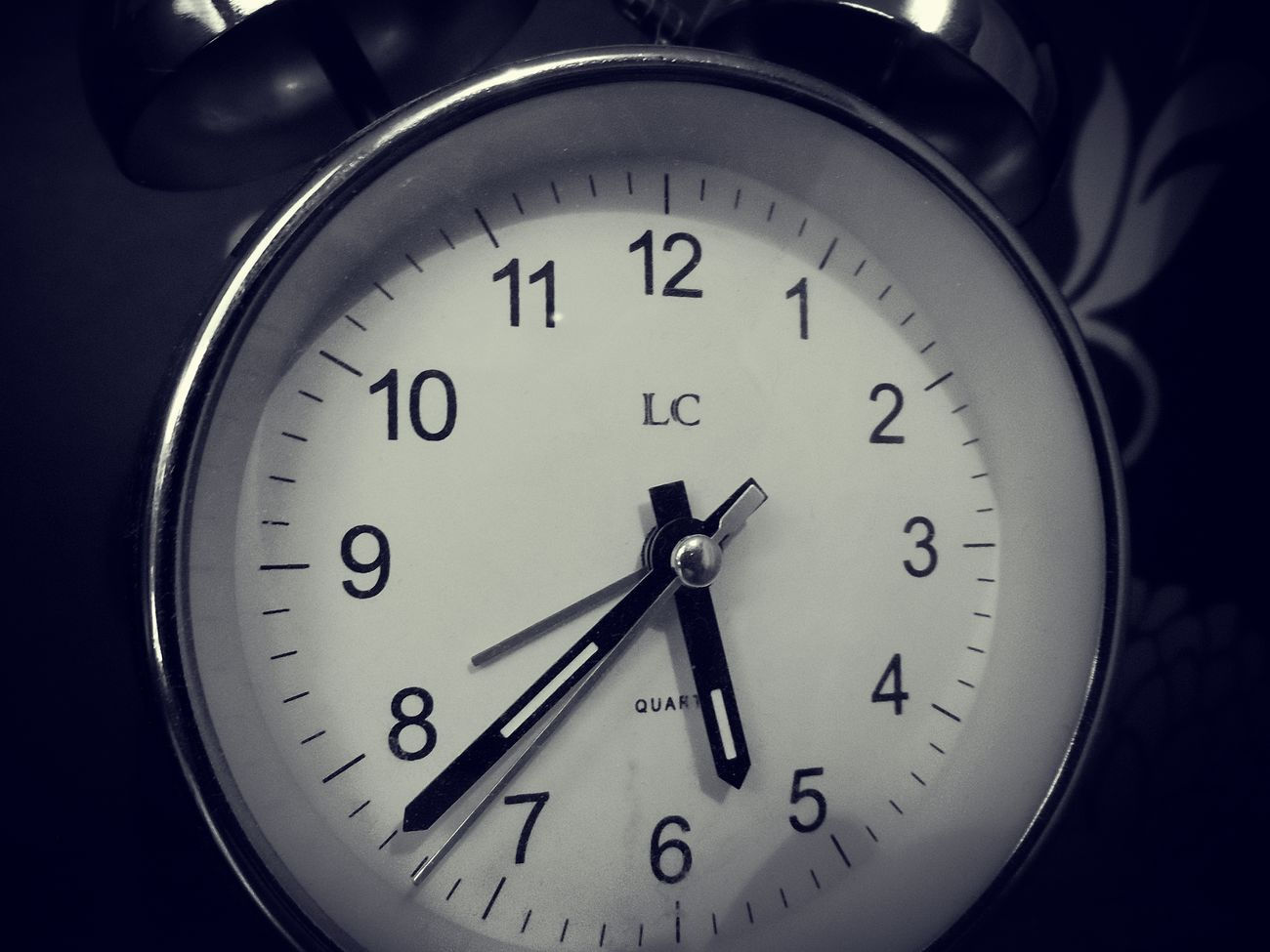 Ticking alarm clock Accuracy Alarm Circle Clock Detail Indoors  Numbers Ringing Single Object Ticking Time Wall