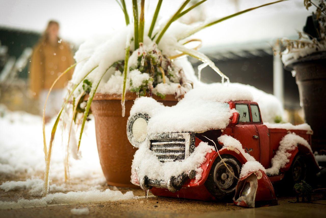 We're all a little broken... Broken Winter Snow Outdoors Brokenthings Truck Eyemphotography Inthemoment Backyard Backyard Photography Justshoot Blessed  Texas