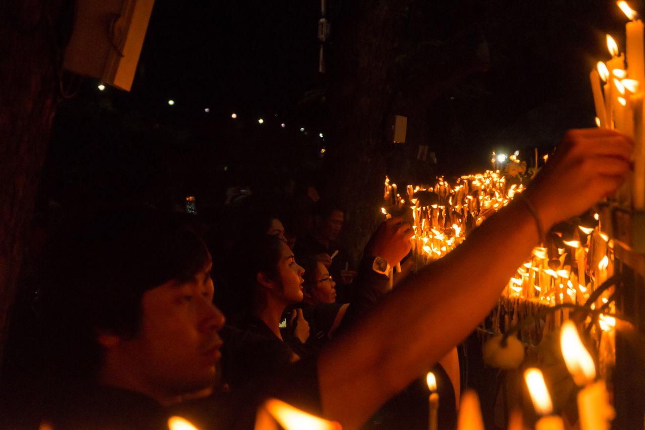 Bangkok Thailand 22 october 2016 , population mourn King Bhumibol Adulyadej at sanamlaung Around Bangkok Candle Candlelight City Cry King King Bhumibol Adulyadej King Of Thailand Mourn Mourning Night People Population Sanamluang Thailand Weep