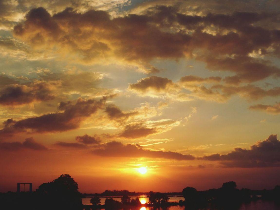 Sunset. Sunset Sun EyeEm Best Shots First Eyeem Photo Eyeem Philippines EyeEmbestshots Bicycle Trip Rhenella