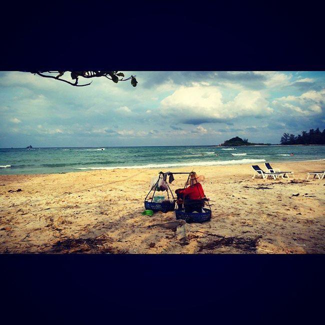 It's those little things... As bbq corn and pineapple at the beach. ? Holidays Thailand Kohsamui Choengmon Beach Walk Beach