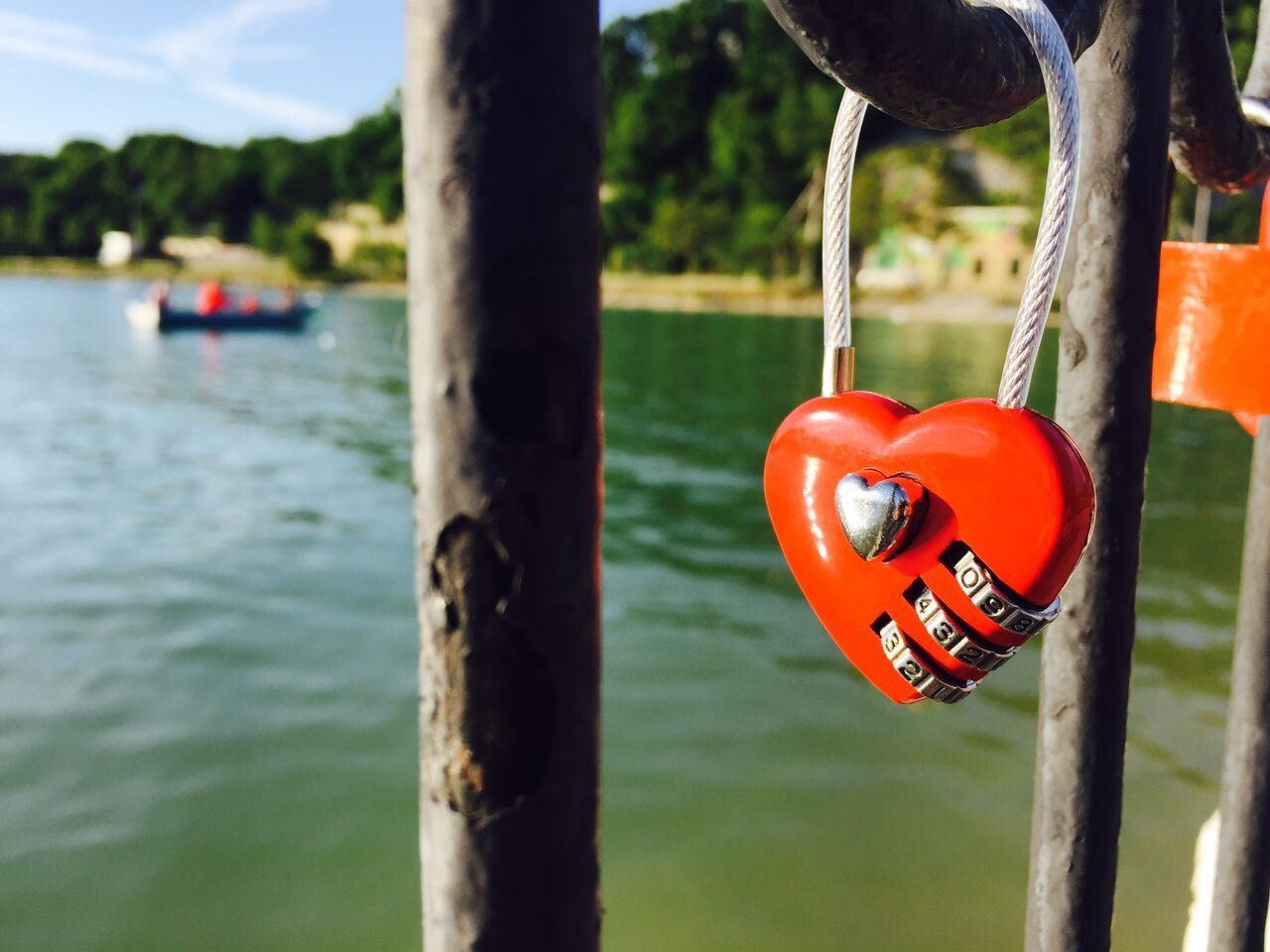 Water Red Focus On Foreground Safety Day Outdoors Hanging No People Nature Close-up Tree Beauty In Nature Lock Heart Shape Live For The Story The Street Photographer - 2017 EyeEm Awards BYOPaper! Place Of Heart