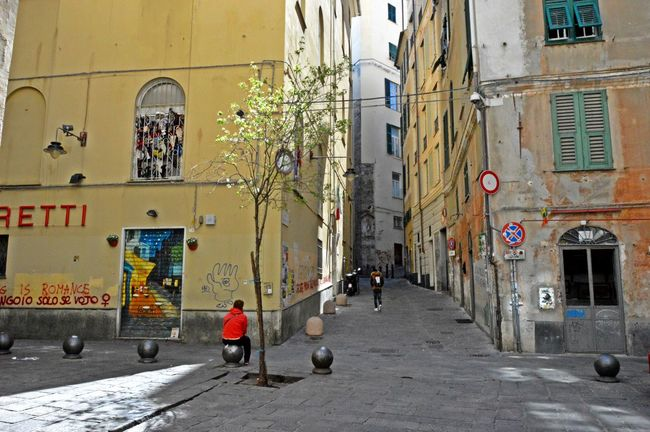 Alley Architecture Building Building Exterior Built Structure City City Life City Street Day Diminishing Perspective Lifestyles Narrow Outdoors Residential Building Residential Structure Road The Way Forward Town Vanishing Point