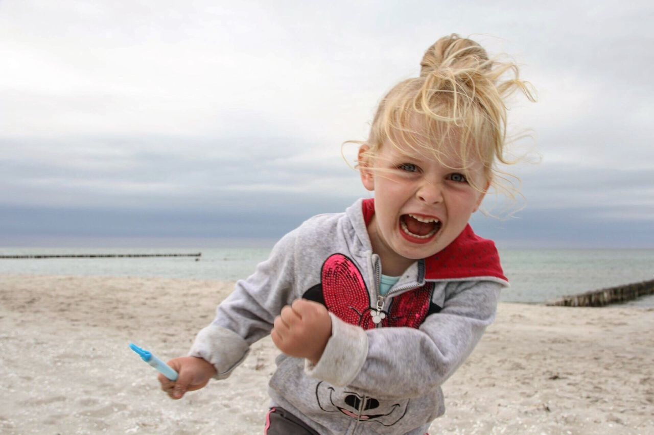 Beautiful stock photos of feuer, beach, mouth open, blond hair, sea