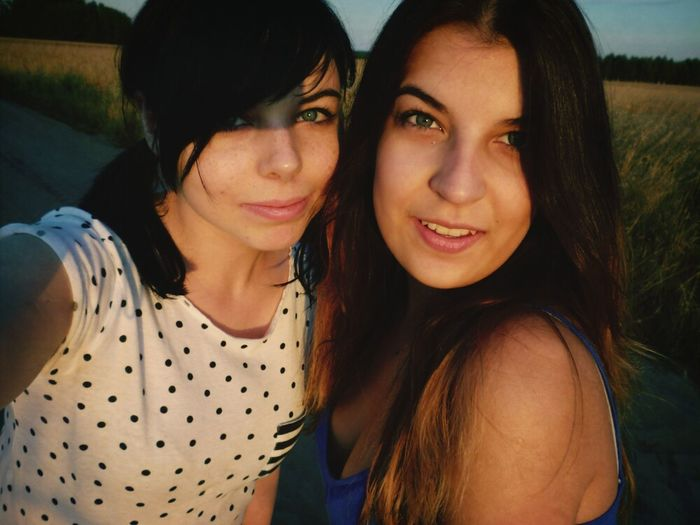 Best Friends Girls Day Top Photos Country Road #friendship