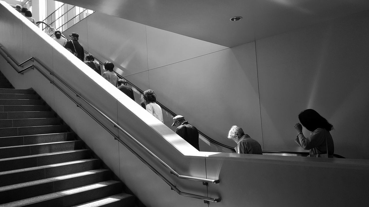 People Adult Day Real People Outdoors Streetphoto_bw Streetphotography Large Group Of People Japan Blackandwhite Black & White Tokyo,Japan City Monochrome Crowd Elevator Que Lining Up The Architect - 2017 EyeEm Awards The Street Photographer - 2017 EyeEm Awards The Street Photographer - 2017 EyeEm Awards