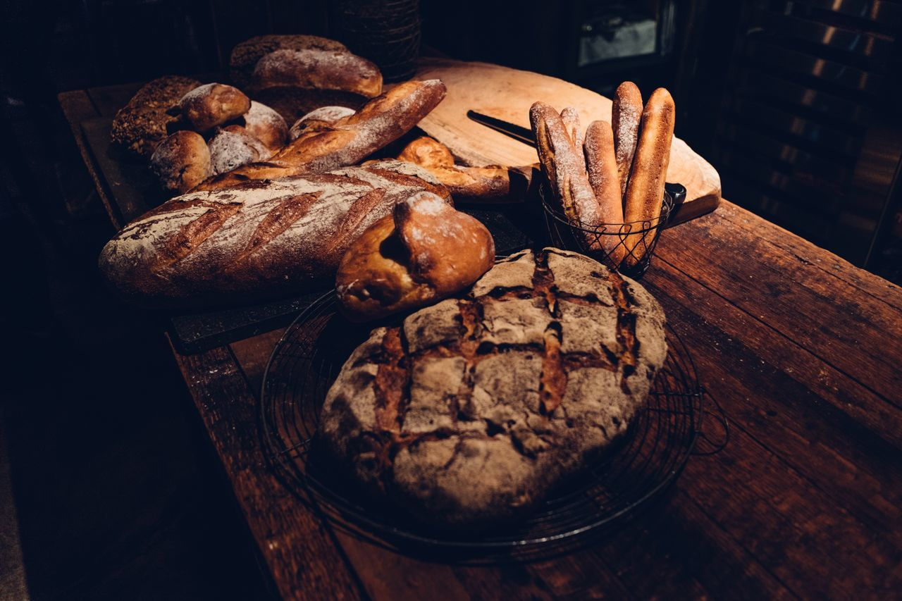 Bread and light Food Table Bread Fresh Bread Hand Made Hand Made Bread Bakery Bake Japan Food And Drink Freshly Baked Wooden Table Reclaimed Wood Light Minimalism Minimal Back To Basics  Japanese Bakery