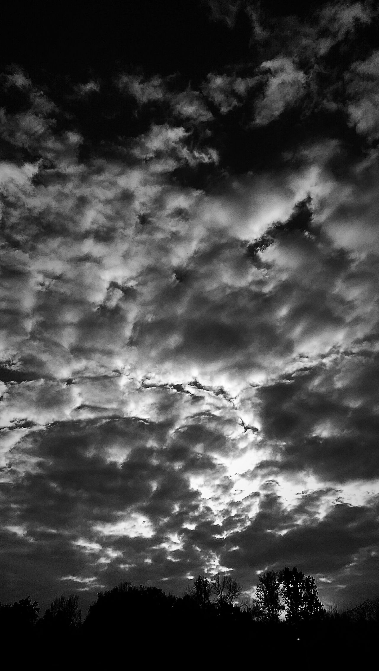 That Sky, Tho! Skyporn Black And White Clouds And Sky