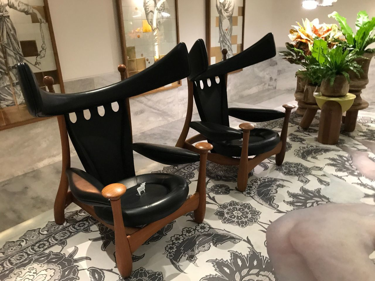 Chair Table Indoors  Home Interior Armchair Furniture Sofa Vase Seat No People Relaxation Side Table Living Room Pillow Home Showcase Interior Day Close-up
