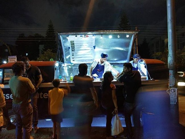 These french guys are cooking up some good food on a food truck. Instabengaluru Bengaluru Instabangalore Bangalore Bangalorefoodies Food Streetfood Foodtruck