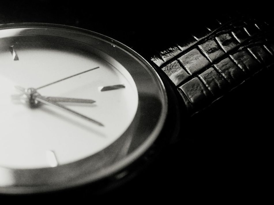 Time Indoors  Close-up No People Instrument Of Time Day Bored Taking Photos Watch Blackandwhite Beginner Experimenting...