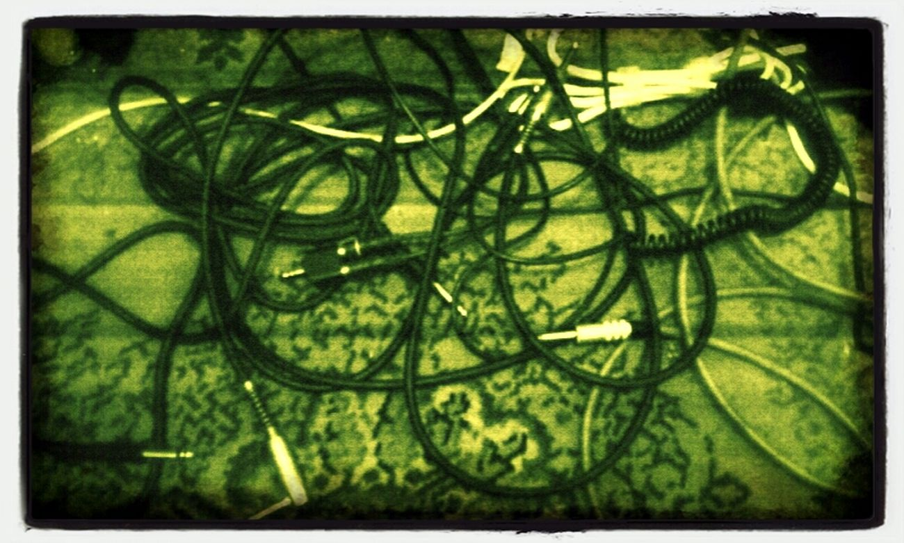 Wiring messed up, let 'em unplugged n don't roll the cables. Cables ID-andrography Editjunky Andrograhy