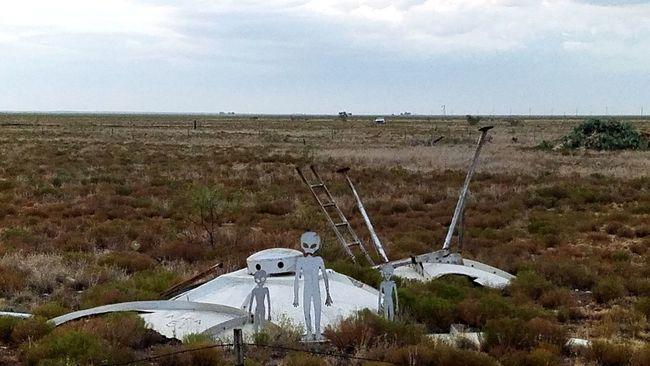 Field Sky Hi! Samsung Galaxy S7 Edge Hello World Check This Out Roswell, Nm Alien Encounters Crash Landing Taking Over The World OH NO! Funny Cool ArtWork