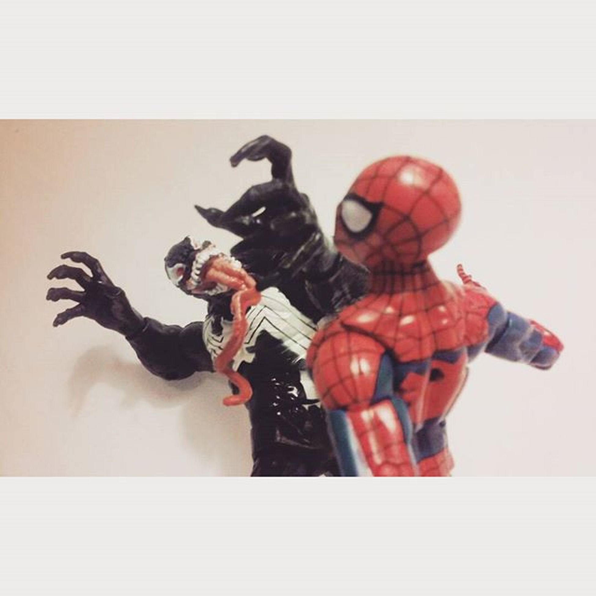 """""""Gonna make you suffer,Spiderman"""" //on a side note sorry I haven't posted anything lately i've been extremely busy but for my followers who've been sticking around thank you!// Marvellegends Manchild Mcu Infiniteseries Tcb_flyupandaway Nerd Comics Hasbro Venom Amazingspiderman Spiderman Baf Toyslagram Toysrmydrug Toys4life Figures Actiontoyart Actionfigures Macgargin Marvelentertainment Webhead Actionfigurephotography Webslinger"""
