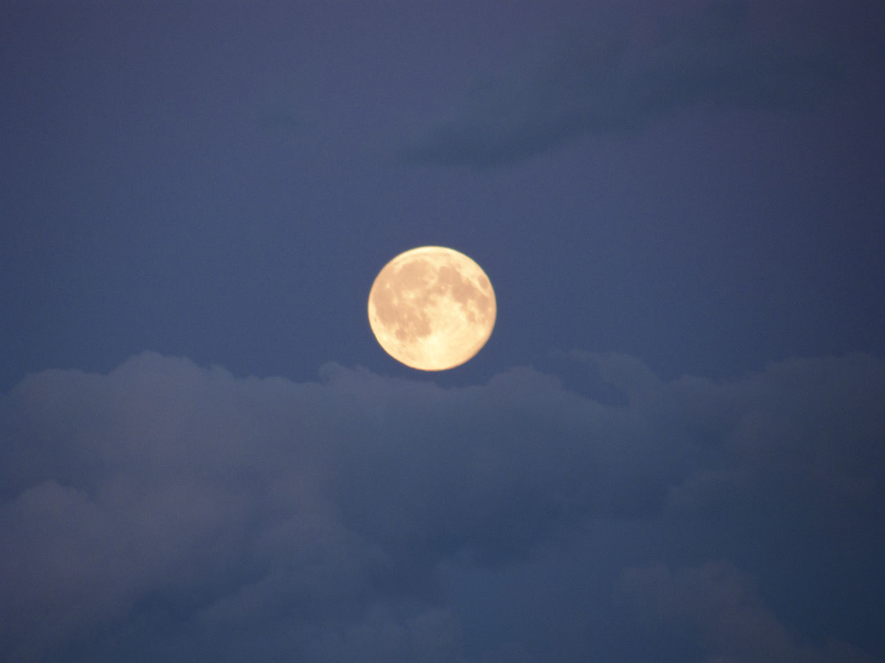 moon, beauty in nature, nature, scenics, sky, tranquility, astronomy, planetary moon, circle, tranquil scene, idyllic, sky only, majestic, moon surface, cloud - sky, low angle view, outdoors, night, no people, space exploration, half moon, space