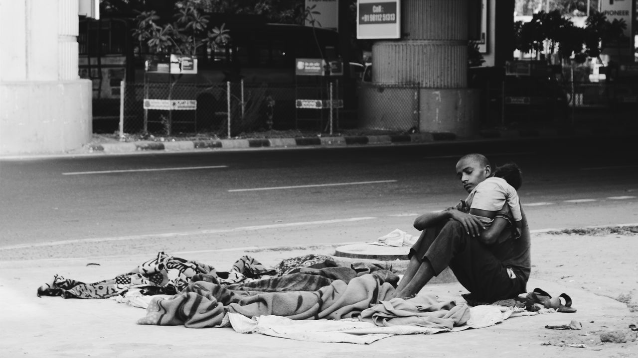 You hate your life while children like this dream of having it! Fight them to the end until the children of the poor eat better than the dogs of the rich BeingWithoutHope Photography What I Value Check This Out! Taking Photo Eye4photography  EyeEm Gallery EyeEm Best Shots Eye4India From My Polnt Of View Poverty Homelessness  Homeless Awareness Kids Childhood Streetphotography Peoplescreatives Children Photography Capture The Moment Brother & Sister Brother Sister Bond  Canonphotography Taking Photos Incredible India TCPM