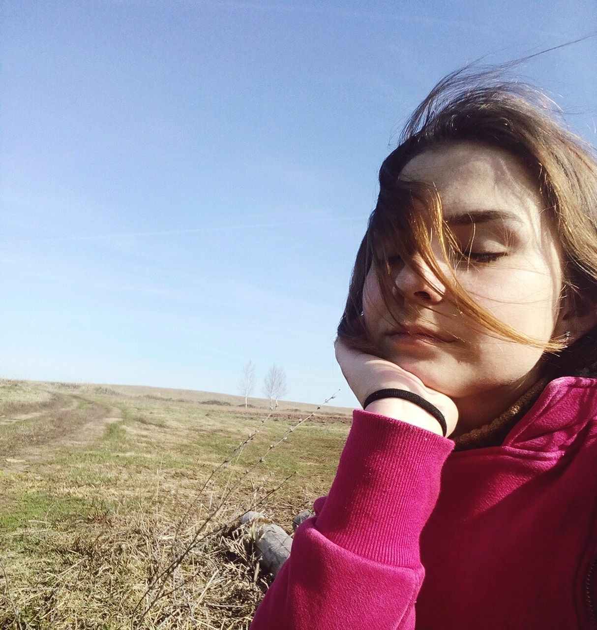 real people, one person, landscape, childhood, girls, lifestyles, day, sky, field, clear sky, outdoors, leisure activity, nature, elementary age, grass, close-up, people