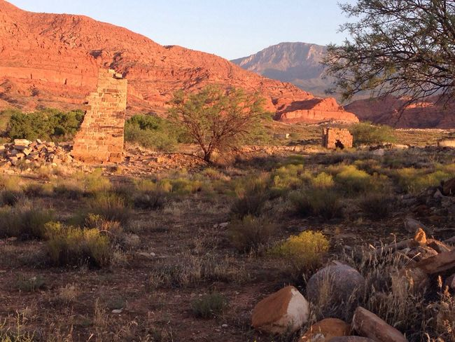 Red Cliffs Check This Out Broken Down Building Old Bricks Enjoying Life Leeds,UT
