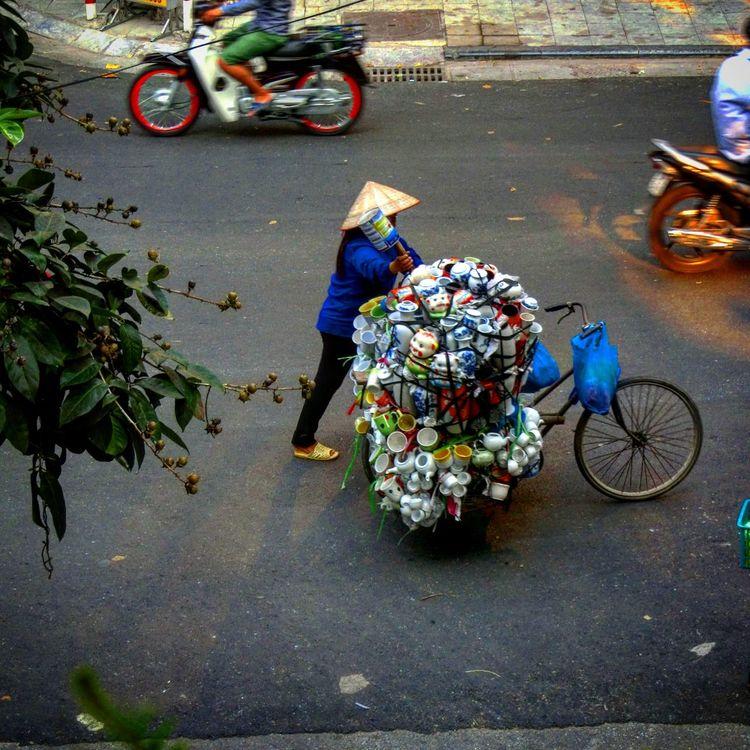 Vietnam Hanoi Working Hard Tassen Zuviel