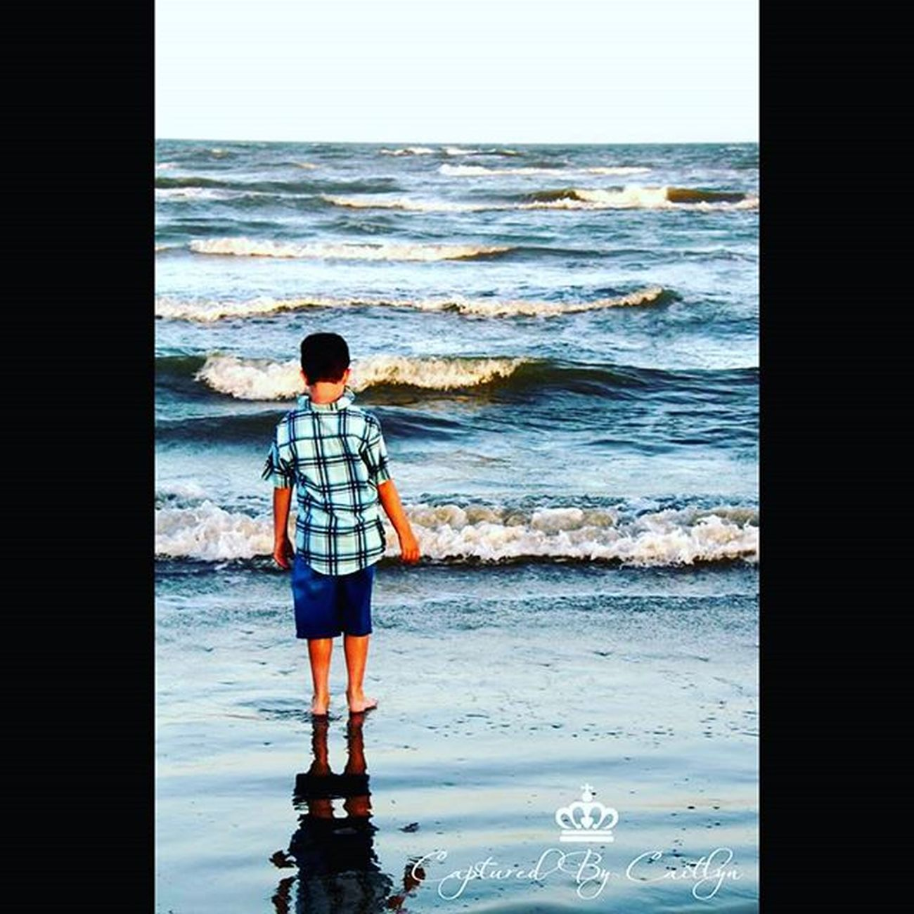 Beach photoshoot Photography Photographer Beach Capturedbycaitlyn Cousin Waves Follow Mylife Followme