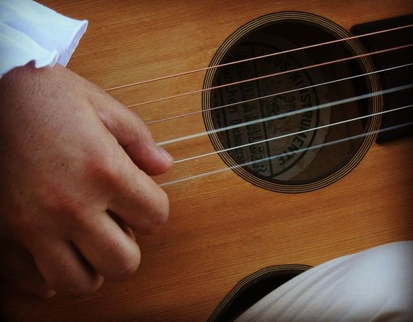 Ma che musica, che musica maestro...🎵🎶🎵🎶🎵🎶🎵 Hanging Out Taking Photos Check This Out That's Me Hello World Relaxing Hi! Enjoying Life Quality Time Serata Alternativa Musical Evening Music Guitar Guitar Chords Chitarra Francese Chitarra Old Music 1800 Music Serataalternativa