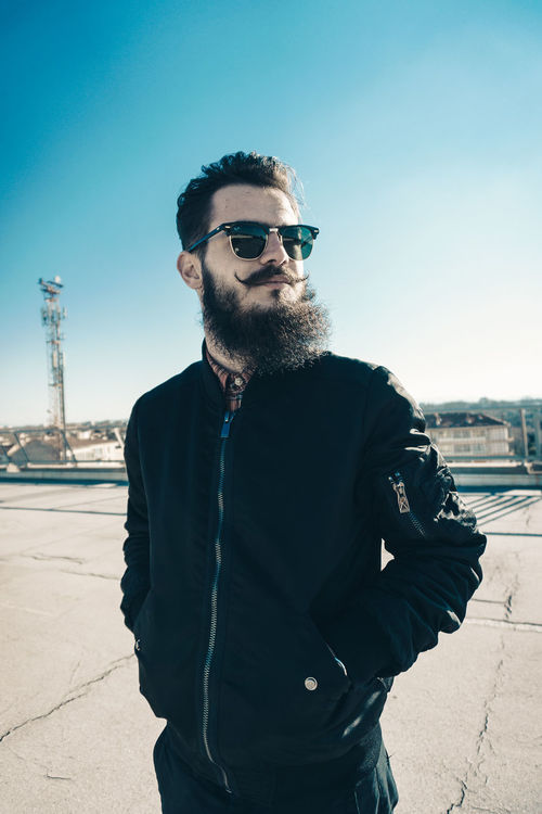 Sunglasses Only Men Men Outdoors Portrait Streetphotography Shooting Day Photooftheday Headshot Mode French Barber Avignon Eleven Paris Barberlife RayBans® Portrait Photography ILoveMyJob Sonyalpha Barbu Sony A6000 Frenchphotographer Theyom