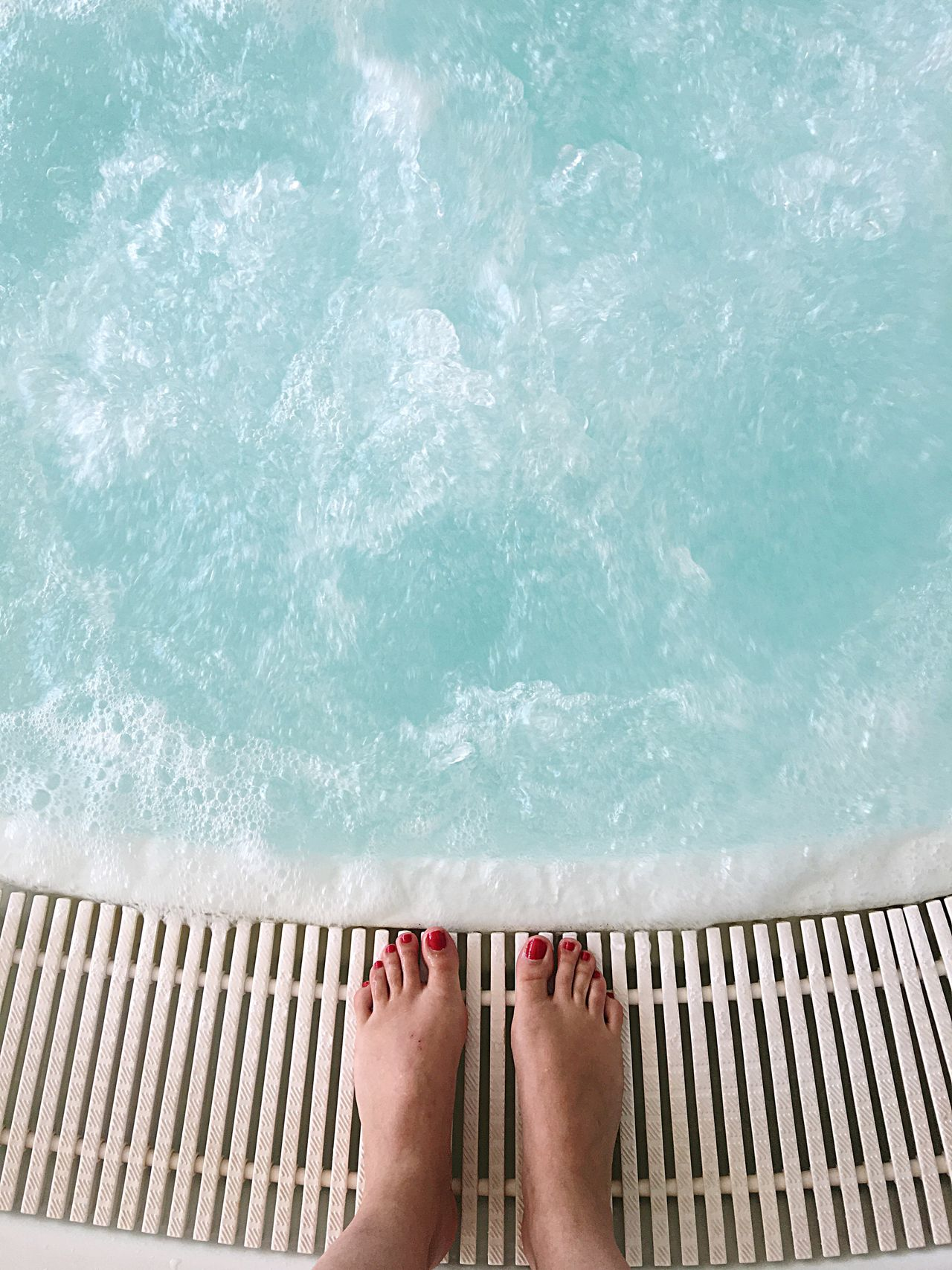 Summer Water One Person Low Section Human Leg Barefoot Human Body Part Real People Outdoors Swimming Pool Leisure Activity Women Pool Sea Standing Lifestyles One Woman Only Close-up Adult Adults Only Vacations Bubble Bath Bubbles Poolside Jakuzzi Live For The Story