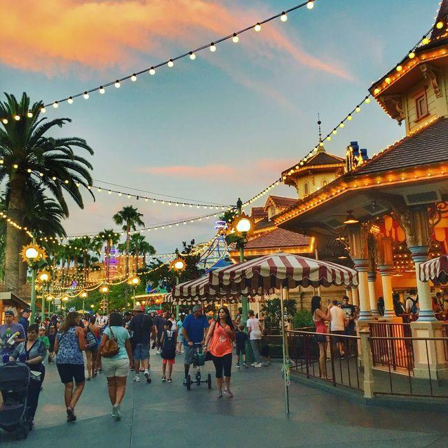 Disneyland Adventure Park People Together Streetphotography USA Travel Festival Season
