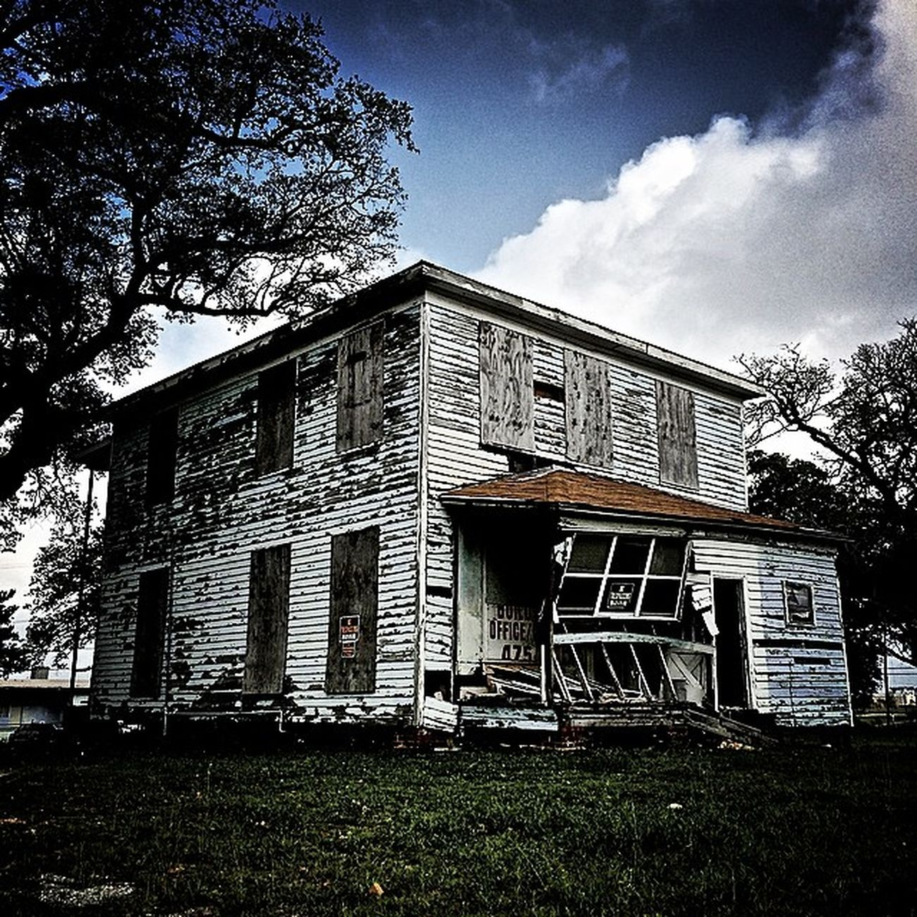 Rebels_united Abandonedhousetour Shutterbug_collective Outcastamerica_rural Trb_members1 Trb_blue Rustic_wonders OutcastAmerica Trb_love_shack_baby Rsa_rural_grunge Rsa_abandoned_houses Tv_abandoned