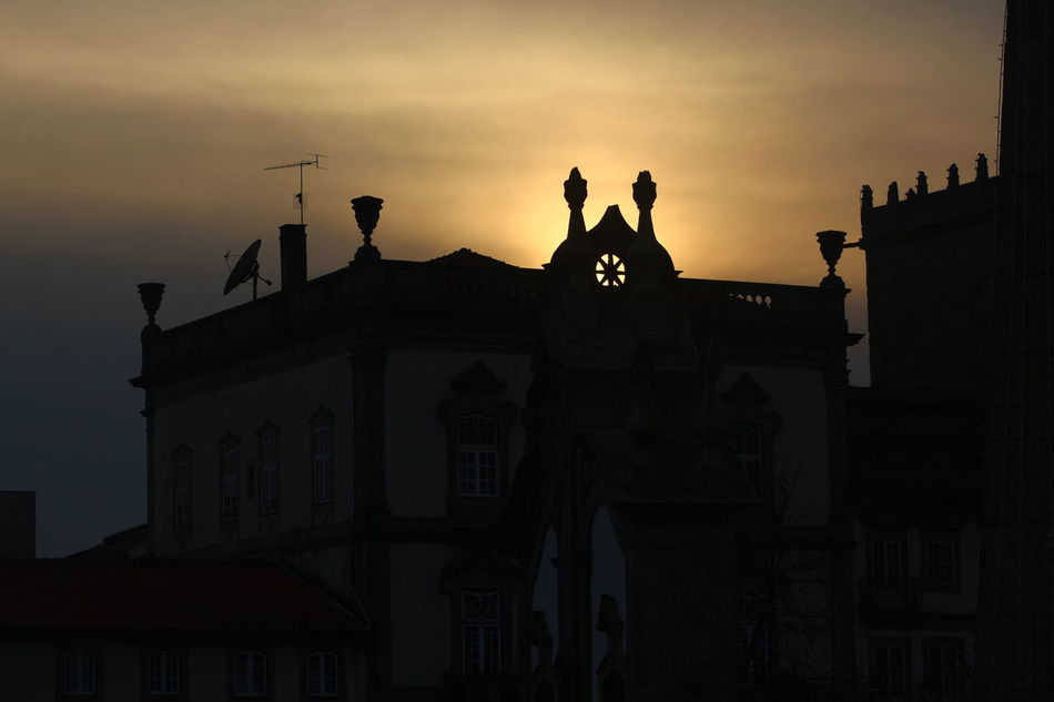 Silhouette Travel Destinations City Sky Politics And Government Architecture Sunset No People Night Outdoors Portugal Oficial Fotos Colection EyeEm© Portugal Portugaloteuolhar Portugal_daminhajanela Barcelos Barceloscity