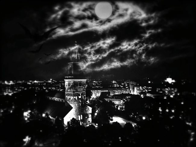 Travel Cloud - Sky Architecture City Night Reflection Travel Destinations Sky Water Building Exterior Illuminated River Tree Dramatic Sky Built Structure Cityscape Outdoors Horizontal Nature No People Monochrome Photography Halloween Hallo