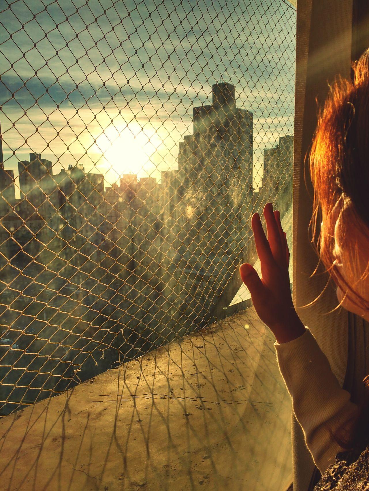 Watching the sunset... Me Work Workout Campinas, São Paulo, Brasil Orange Color Sun EyeEmNewHere Taking Pictures Taking Photos Watching The Sunset Sunset Buildings Urban Take With Smartphone Motog3 Selfportrait Selfie ✌ Selfie