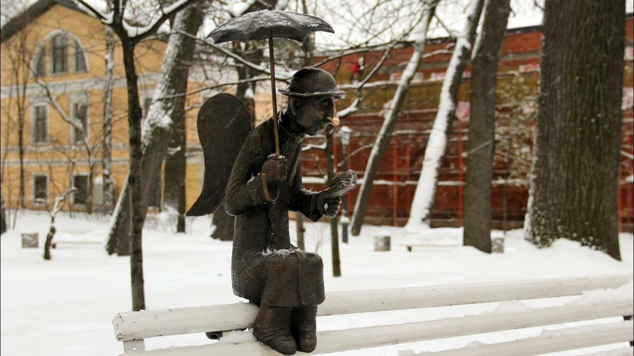 Winter Cold Temperature Snow Frozen City Angel Angel Of Saints-Petersburg Citi Angel EyeEmNewHere Uniqueness Uniqueness Lieblingsteil Miles Away The City Light