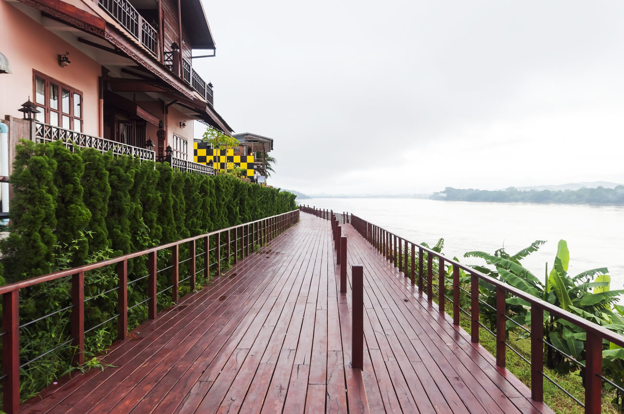Architecture Built Structure Chiang Khan Cloud - Sky Diminishing Perspective Love Railing Sea Sky Thailand The Way Forward Tranquility Water Wood