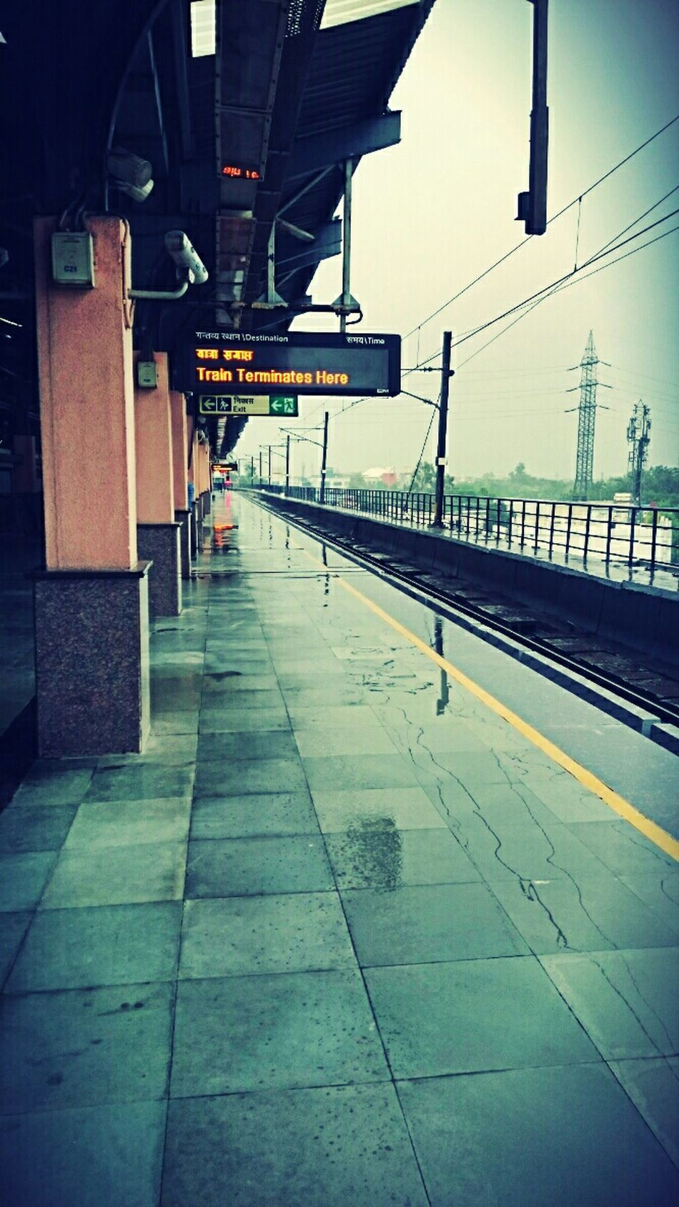 End Of The Line Metro Station Delhi Metro Waiting For A Train Rain @a Metro Station