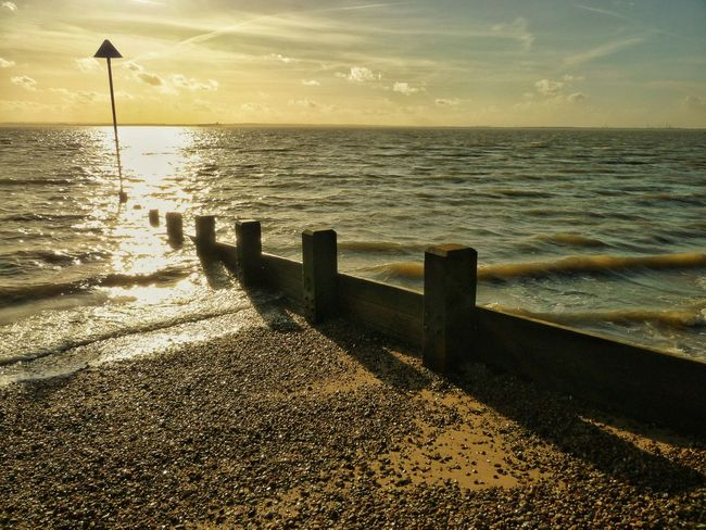 Sun beginning to go down on Southend seafront. Sea Sea And Sky Seaside Sea Front Seafront Southend Southend Seafront Southend On Sea Groyne Sun Sunset Sun On Water  Sun On The Water Sun On The Sea Tide Seascape Sea And Sun Sun, Sea, Sky