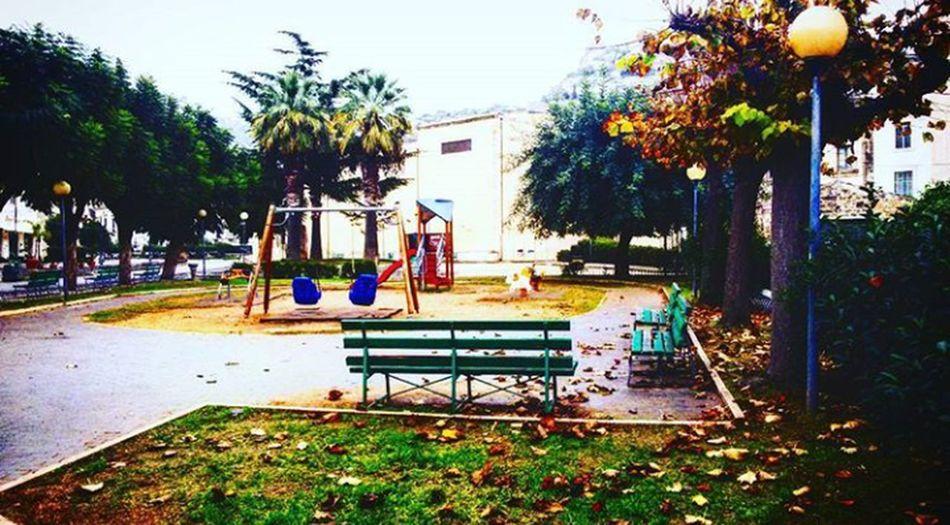 Parcogiochi Altalena Vento Solitude Playground Tree Day Grass