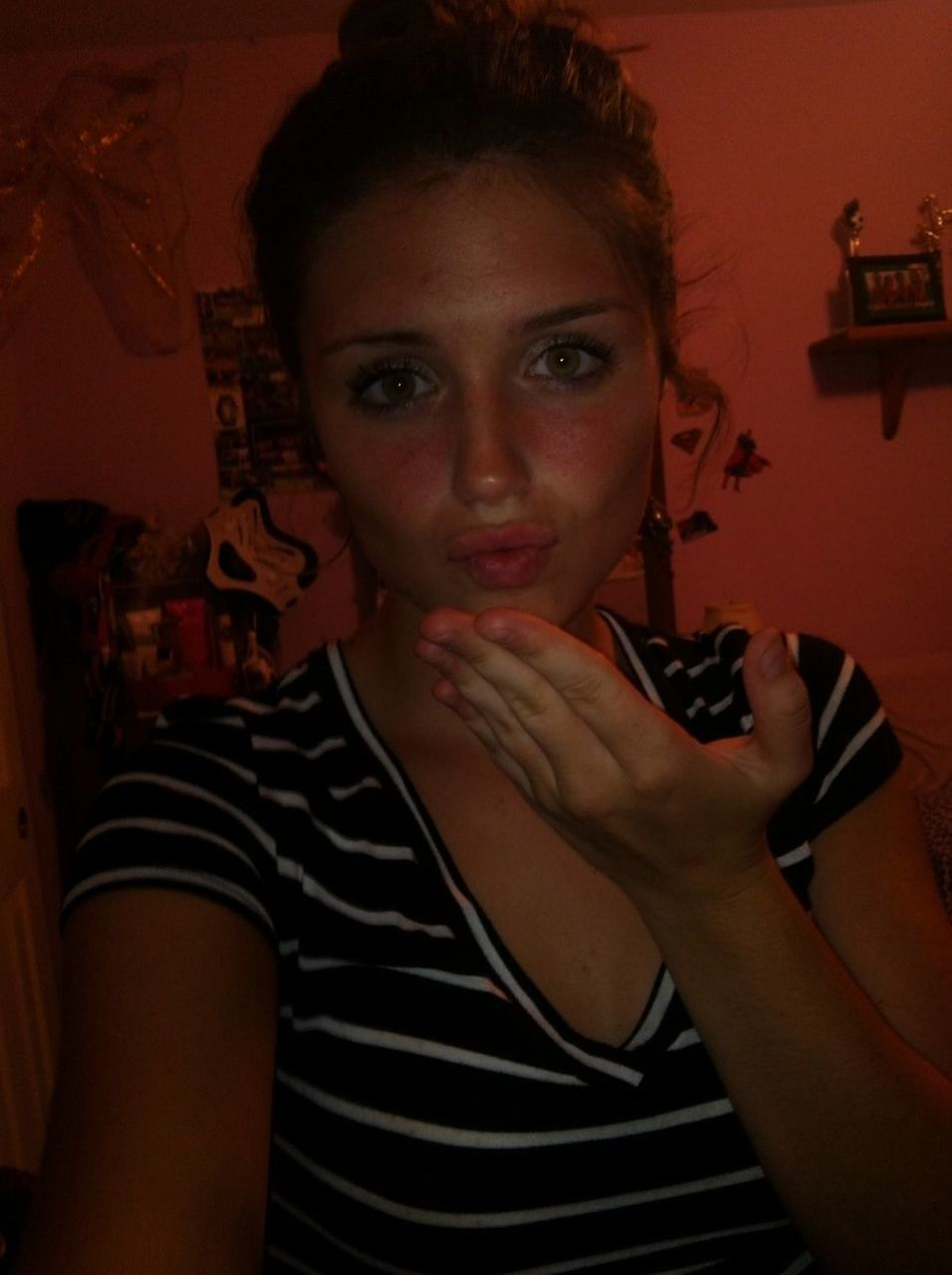 Kisses To My Bishhhes