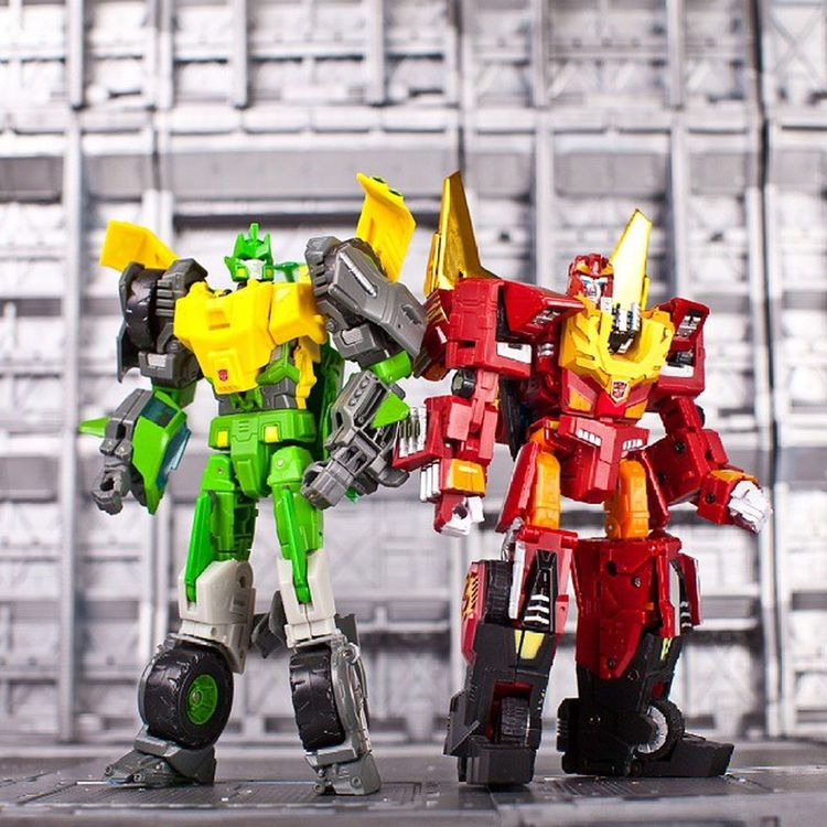 RodimusPrime parallax & Springer Parallax RodimusPrime Springer Transformers Transformerstoys Actionfigures Actionfigurecollections Toys Toy Toystagram Toycollector Toycommunity Toyphotography Cybertron MoreThanMeetsTheEye Robotsindisguise Robots Toycollectors Plastic_crack_addicts
