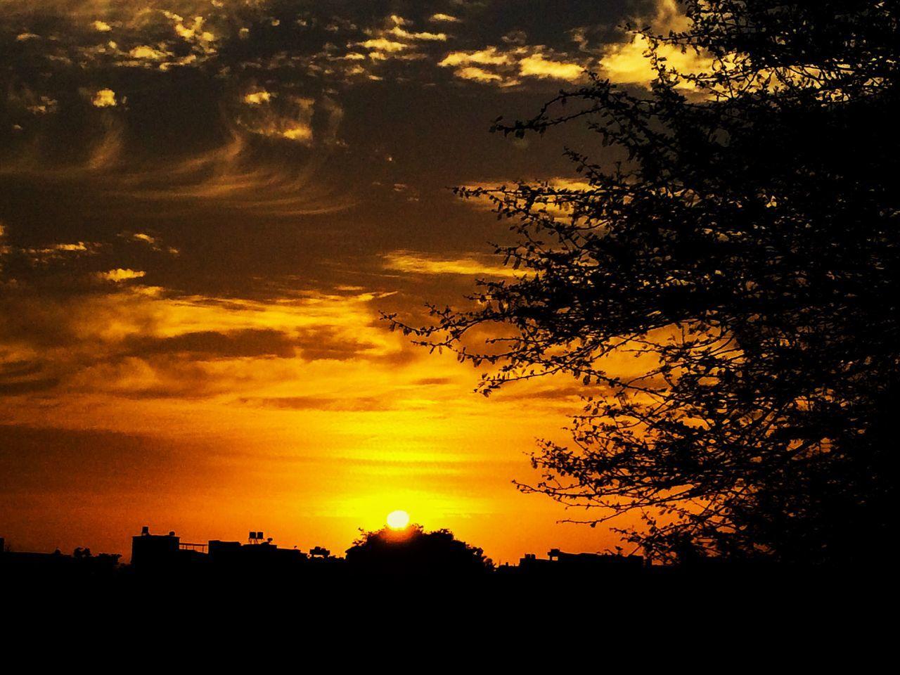 Sunset Sun Beauty In Nature Outdoors First Eyeem Photo Break The Mold The Great Outdoors - 2017 EyeEm Awards