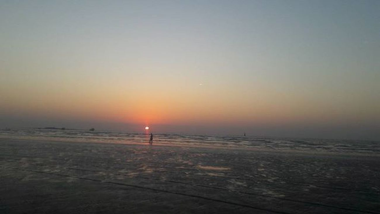 Sunset Gorai Beach Beachlife Sunset Ig_sunsetshots Like4like Followforfollow Like4like Beachlife Likeforlike Followforfollow Ig_asia Ig_Mumbai Mumbaibeach Gorai Like4like Sunset_ig Instalike Instafollow
