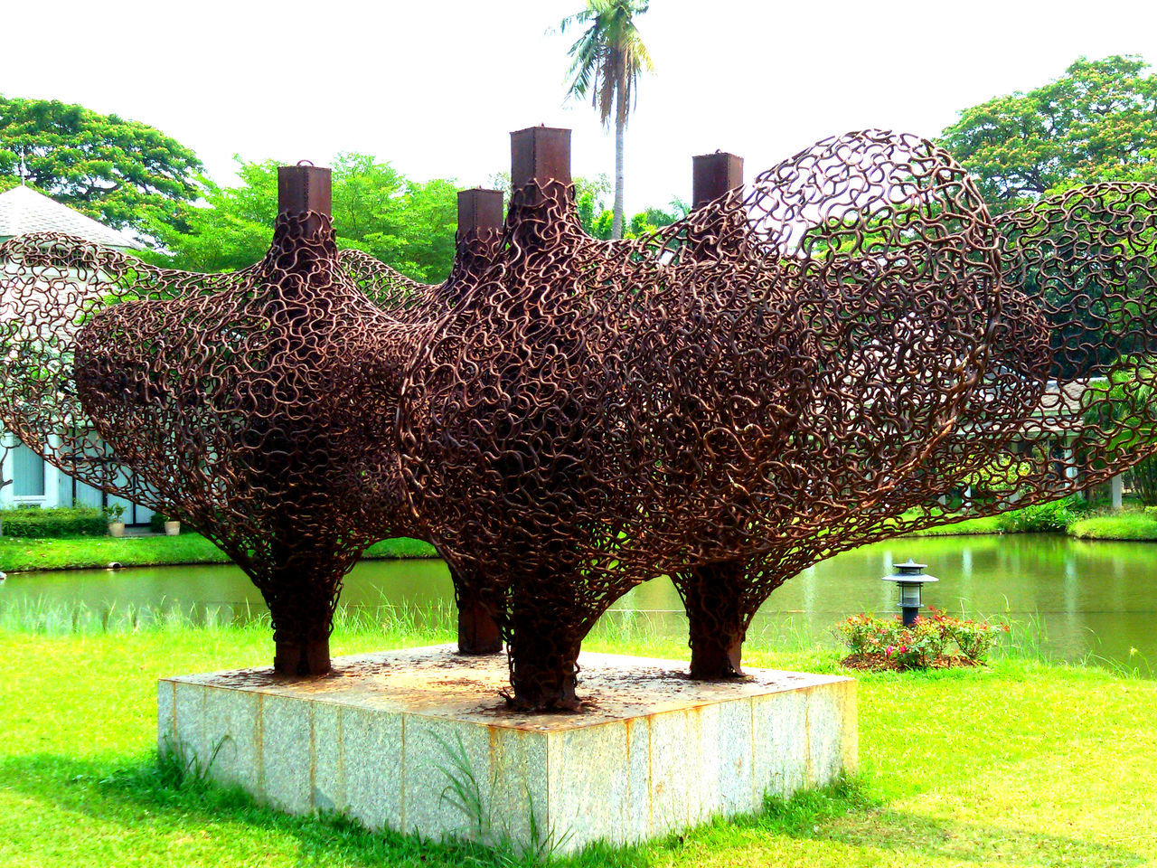 Day Dusty Grass Grassy Green Color Heart Sculpture Statue : Lawn No People Outdoors Park Park - Man Made Space Scenics Tranquil Scene Tranquility Tree Water