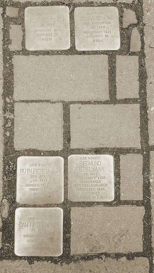 Gedenk Pflastersteine, memorial paving stones for victims of the national socialism... Stolpersteine Stolpersteine - Stumbling Blocks In Memory Of No More Violence No More Hate National Socialism Nazis Raus! 3XSPUnity Samsungphotography Samsung Galaxy S6 Check This Out Cellphone Photography PhonePhotography Cellphonephotography Monochrome Victims Ground Level View Ground Document The Streets placed where they lived... they are in 19 diverend countries across Europe. It's a project from a German artist called Gunter Demnig it started in 1992 Finding New Frontiers Adapted To The City Minimalist Architecture Resist Break The Mold The Photojournalist - 2017 EyeEm Awards