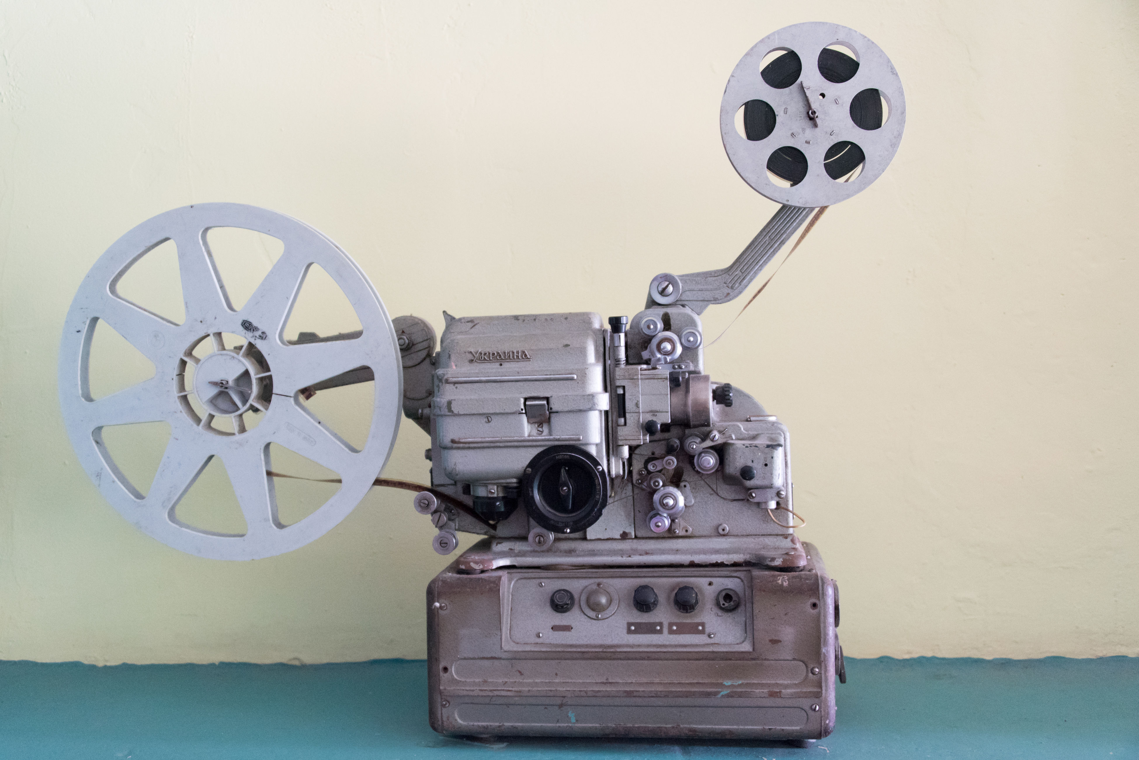 old-fashioned, antique, retro styled, indoors, no people, close-up, movie camera, film industry, day