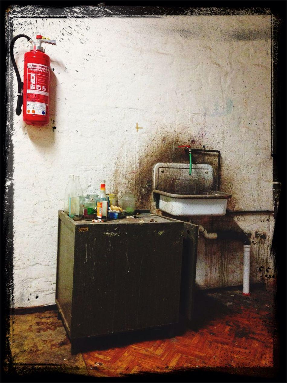 Waschbecken Feuerlöscher