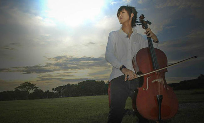 Je suis un violoncelliste What Does Music Look Like To You? What Does Freedom Mean To You? Eye4photography  That's Me