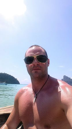 For one week ago I was sitting in a longtail boat and enjoyed the heat from the sun. Diving in azurblue water and just having a good time. Phi Phi Island @phuket Azurblue Diving Livingthedream