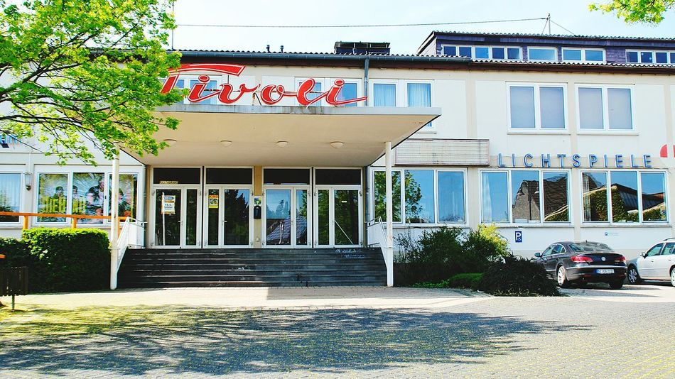 Cinema In Your Life Kino Cinema Oldfashioned Altmodisch Village Life Vilage House Village View People Together