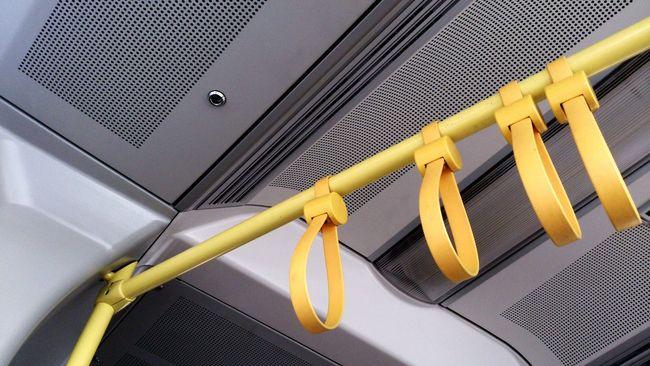 März2015 Straßenbahn Haltegriffe Gelb Yellow März 2015 öffis Öffentliche Verkehrsmittel